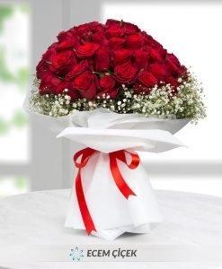 50 Kırmızı Gül Çiçek Demeti