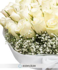 60 Beyaz Güller ile Aşk Buketi – 2