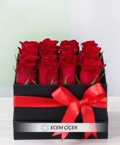 Aşkın Elinden Kutuda Güller