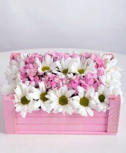 Ahşap Kasada Kır Çiçekleri – 2